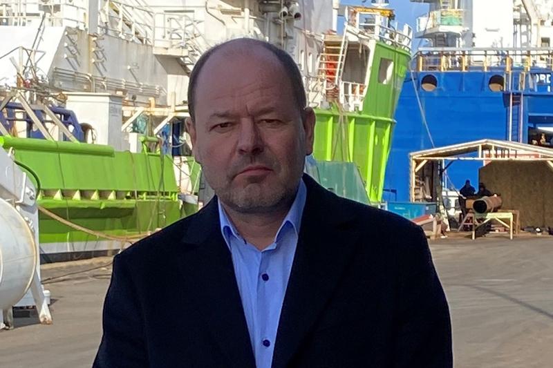Peter R Jorgensen